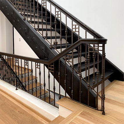 Malibu white oak black stairs